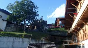 Bauernhöfe in Lajon