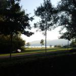 Blick vom Zeltplatzeingang auf den Bodensee