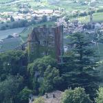Brunnenburg unterhalb von Schloss Tirol